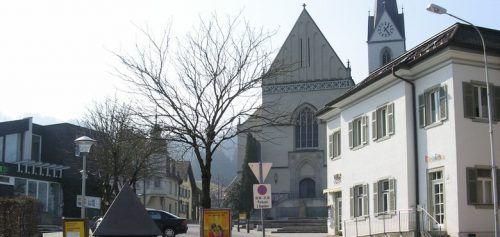 Bei der Frastanzer Pfarrkirche kam es zur ersten Konfrontation. pfarre Frastanz