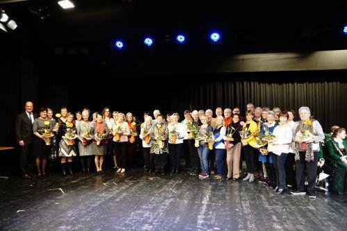 Beim Hörbranzer Neujahrsempfang wurden in den Bereichen Sport, Umwelt, Kultur und Soziales die Ehrenpreise verliehen. chf
