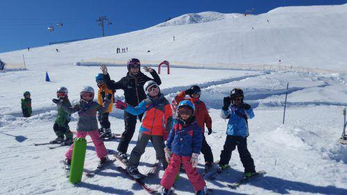 Bewegung an der frischen Luft und Spaß in der Gruppe machen eine gelungene Skiwoche aus. VN