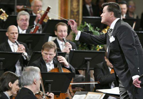 Christian Thielemann dirigierte das Neujahrskonzert der Wiener Philharmoniker mit dem Vorarlberger Rainer Honeck als Konzertmeister. APA