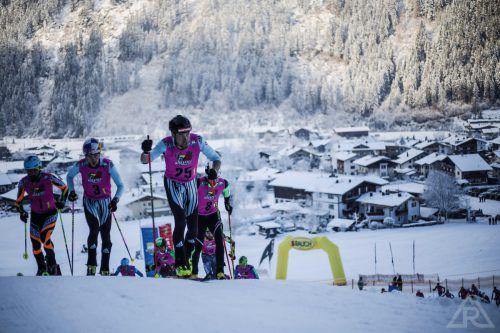 Daniel Zugg (Nummer 25) läuft gerne vorneweg. Vor allem auf den Bewerb auf der Skisprungschanze Bischofshofen freut er sich.skimo