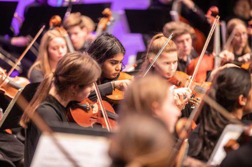 Neujahrskonzert 2019 - Jugendsinfonie Mittl. Rheintal & Tanzhaus H'ems GÖTZIS