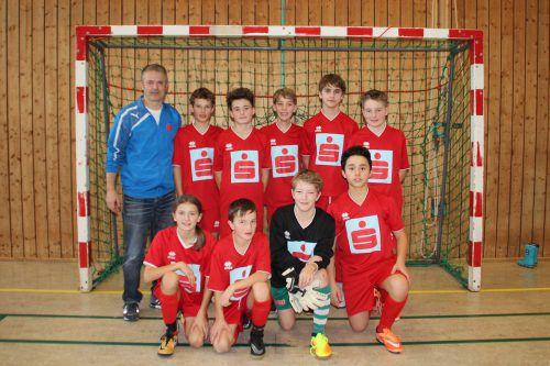 Dem neu zusammengesetzten Schülerliga-Team aus Egg gelang beim Wälder-Hallencup in Alberschwende die Titelverteidigung. nam