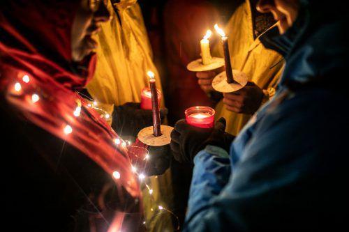 Den Teilnehmern der Sonntagsdemonstrationen geht es um ein gerechtes und menschliches Asylverfahren. Immer mehr setzen sich dafür ein.vn/sams