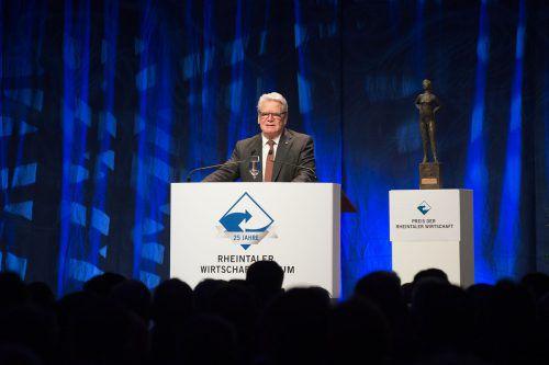 Der deutsche Altbundespräsident Joachim Gauck war der Hauptredner beim 25. Rheintaler Wirtschaftsforum, das in Widnau über die Bühne ging.foto-shots.ch