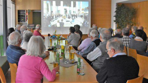 Der EU-Vortrag des Wolfurter Altbürgermeisters Erwin Mohr fand viel Interessen bei den Senioren. Loa