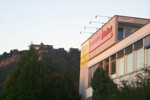 Der Gewerbepark Wolfurt liegt zwischen den beiden bestehenden Produktionsbetrieben der Verpackungsfirma Rattpack. VN/stp