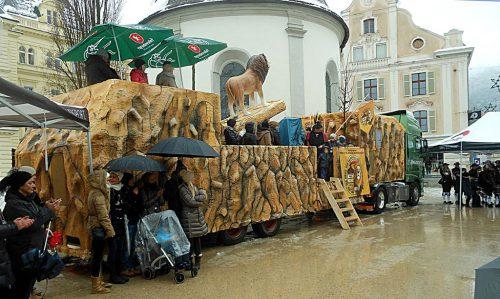 Der neue Prinzenwagen wurde in Bregenz geweiht. fst