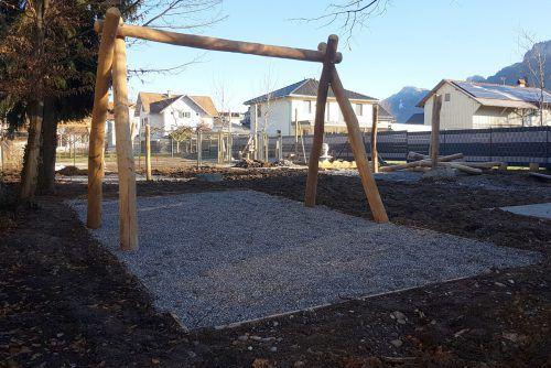 Der Spielplatz wird neu gestaltet. Er bleibt öffentlich zugänglich.
