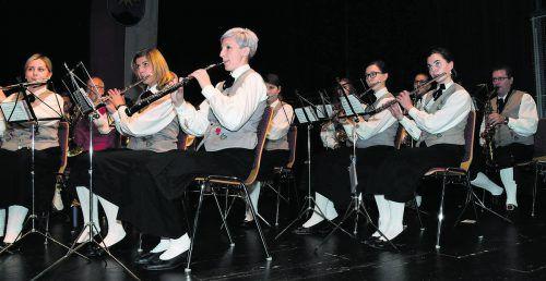 Der Vorarlberger Blasmusikverband zählt als einer der größten Vereine des Landes derzeit 128 Kapellen. Darunter die Militärmusik, bei der zum nächsten Einrückungstermin junge Frauen erwünscht sind. vbv