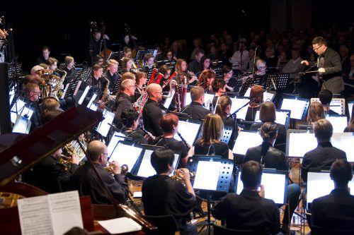 Die Bürgermusik Lauterach beeindruckte im Hofsteigsaal mit musikalischen Klängen aus Südamerika. wam