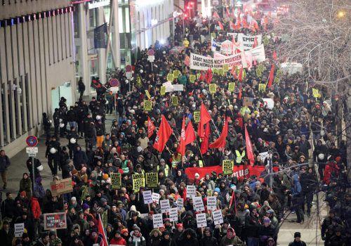 """Die Demonstration des Bündnisses """"Offensive gegen Rechts"""" verlief von Beginn an wie in den Jahren zuvor. apa"""