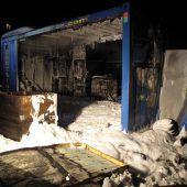 Wohncontainer brennt komplett aus