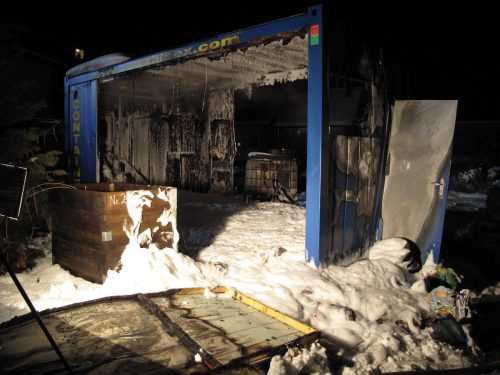 Die Feuerwehr Dornbirn rückte mit 40 Einsatzkräften aus. Vor Ort waren auch ein Notarzt und zwei Rettungsautos. FW Dornbirn