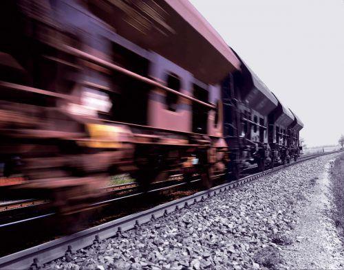 Die Forderung der Vorarlberger Verkehrswirtschaft nach einem Ausbau der Schieneninfrastruktur stößt in der Landesregierung auf offene Ohren. RCA