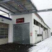 Lindauer Bootshalle zerbarst unter Gewicht der Schneemassen