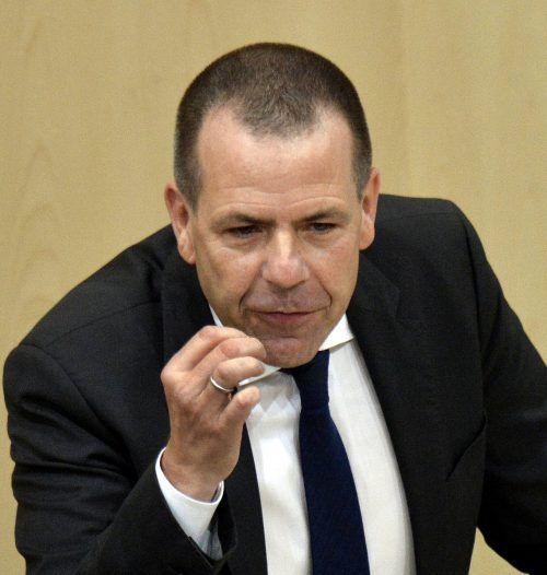 Die Parteienförderung reicht aus, meint FPÖ-Generalsekretär Vilimsky. APA