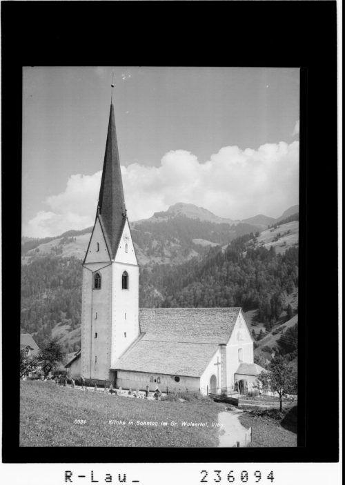 Die Pfarrkirche wurde 2005 bis 2007 renoviert. Zündel