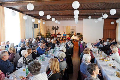 Die Teilnehmer freuten sich über die schöne Weihnachtsfeier.sb dornbirn 50+