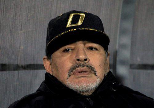 Diego Maradona bleibt auch in der neuen Saison Trainer in Mexiko. Reuters