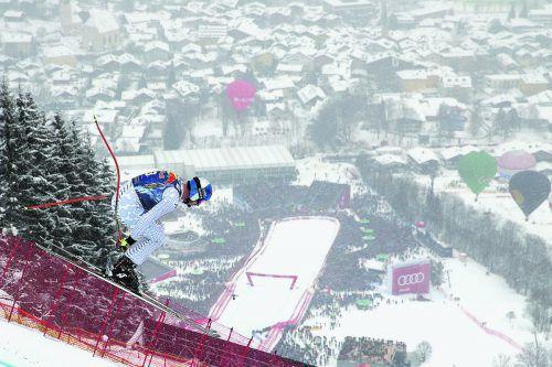 Dominik Paris stiehlt auf der Streif allen die Show, der Südtiroler gewinnt den Abfahrtsklassiker am Hahnenkamm bereits zum dritten Mal. ap