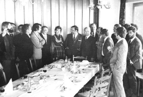 Elisabeth Wäger-Häusle mit dem damaligen Minister Sinowatz und Bgm. Mayer in der Runde der Kulturproduzenten. Literaturarchiv