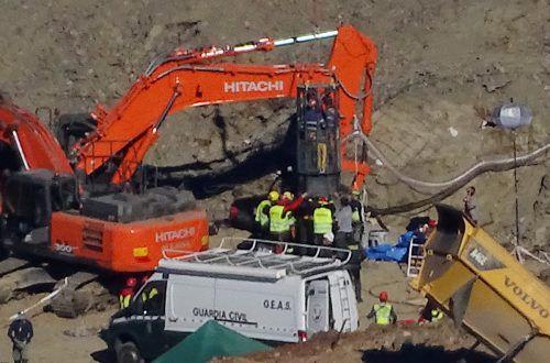 Julen ist in ein über 100 Meter tiefes, illegal gegrabenes Bohrloch gefallen. Reuters
