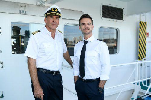 """Florian Silbereisen, der bereits im Jahr 2017 als junger Offizier einen Gastauftritt hatte, löst Sascha Hehn beim """"Traumschiff"""" ab.ZDF/Dirk Bartling"""