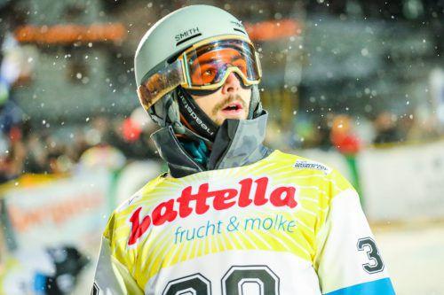 Fokussiert, konzentriert und wieder ein extrem schneller Schwungansatz. Mit 27 Jahren gehört Lukas Mathies wieder zur Weltspitze der Raceboarder.gepa