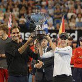 Federer und Bencic verteidigten Titel