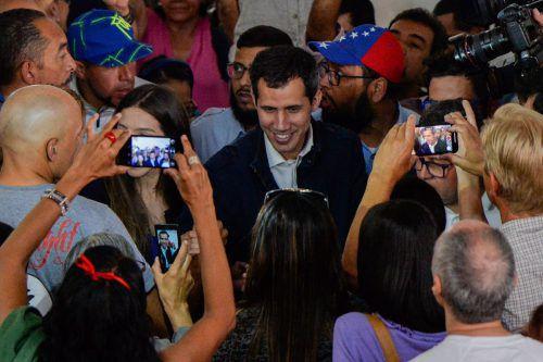 Guaidó strebt die Bildung einer Übergangsregierung an, die Neuwahlen organisieren soll.AFP