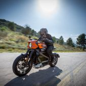 Autonews der WocheErste Harley Davidson mit Elektroantrieb / Neuer Benziner für den Dacia Duster / Biometrischer Scanner an Hyundai-Türen