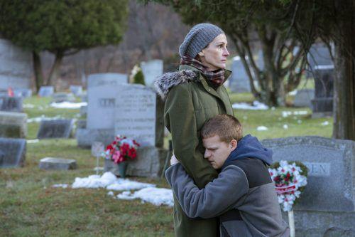 """In """"Ben is Back"""" zeigt """"Pretty Woman""""-Star Julia Roberts die ganze Bandbreite von Gefühlen einer besorgten Mutter, die ihren Sohn retten möchte. ascot elite"""