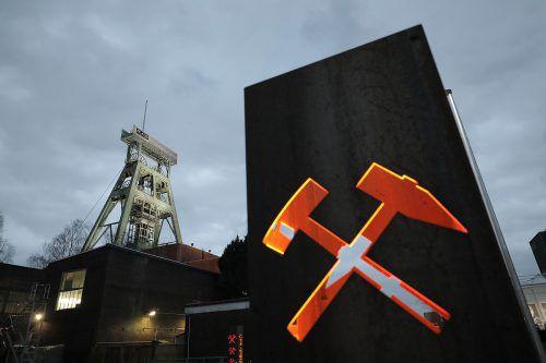 In der Zeche Prosper Haniel wurde symbolisch das letzte Stück Kohle gefördert. APA