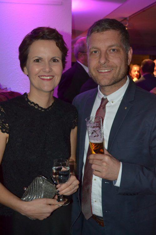 Isabelle und Matthias Ganspöck stießen auf einen schönen Abend an.