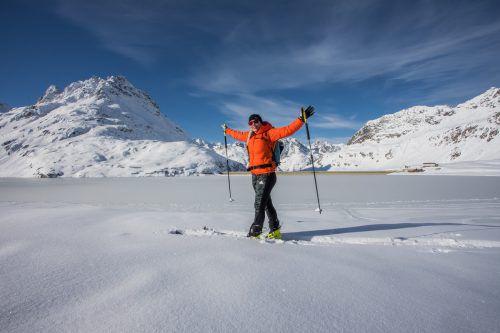 Jaqueline aus Bartholomäberg genießt den Winter bei einer Langlauftour auf der Bielerhöhe. Bald schon kommt einiges an Neuschnee dazu. VN/Steurer