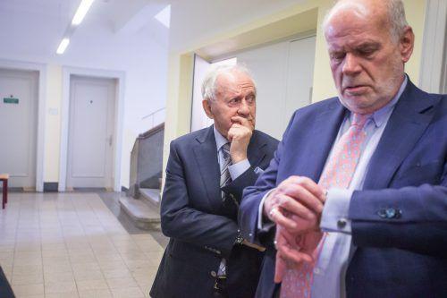 Karl Kahr (l.) mit seinem Rechtsanwalt Manfred Ainedter.VN/Steurer