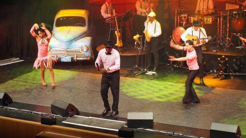 Kubanische Rhythmen und Tanzeinlagen entführten die Zuhörer in eine heiße, schwüle Sommernacht in Havanna. Egle