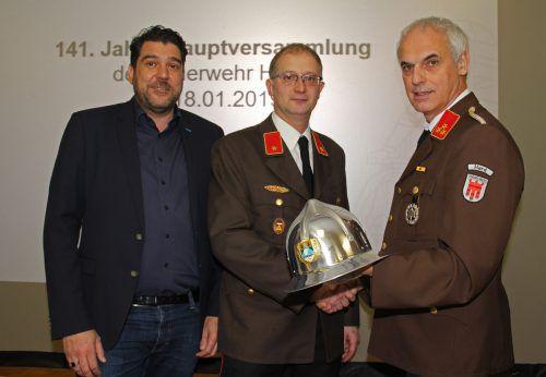 Manfred Lerchenmüller (r.) überreichte das Kommando an Christian Medwed. OF hard