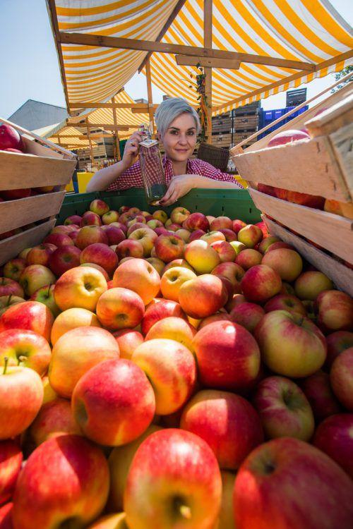 Marina aus Hörbranz legt auf Äpfel und Obstbrand aus Vorarlberg Wert.VN/Steurer