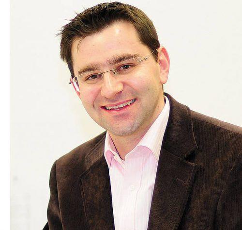 """Michael Grabher informierte über das neue """"Lehre und Matura""""-Modell.vhs"""
