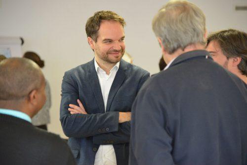 Michael Willam gleist die Kooperation der Vorderländer Pfarren auf. egle