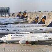 Lufthansa mit Neueinstellungen gegen turbulenten Sommer