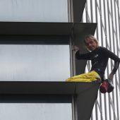 Französischer Spiderman ging Beamten ins Netz