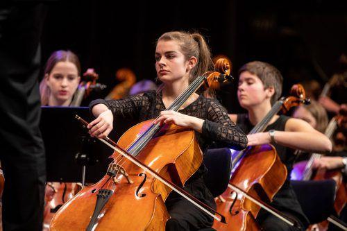 Neujahrskonzert, Ivo Warenitsch, Dirigent; Simon van Holen, Fargott; Jugendsynfonieorchester Dornbirn