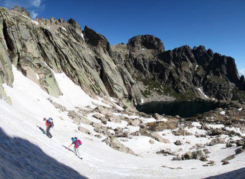 Nicht jeder weiß, dass Korsika rund 120 Gipfel über 2000 Meter aufweist. Die erkundet jetzt der Alpenverein Vorarlberg. Alpenverein
