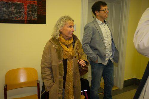 Nicola Werdenigg und Standard-Reporter Fritz Neumann, der auf das Redaktionsgeheimnis verwies und keine Aussage tätigte.