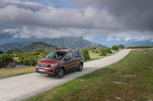Peugeot hat den Tepee durch den Rifter ersetzt. Die neue Hochdachkombi-Generation basiert auf einer universellen Plattform für Pkw und Nützlinge.