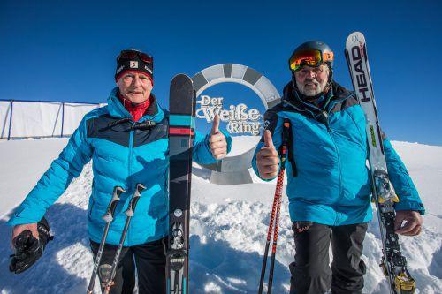 Rennleiter Werner Plangg und Streckenchef Leo Ratz (v.l.) zeigen es an. Einem tollen Event steht heute nichts im Weg.VN/Steurer