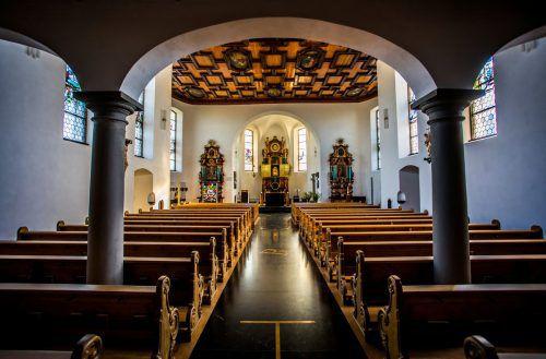 So leer, wie diese Aufnahme aus der Basilika Bildstein vermuten lässt, sind die Kirchenbänke noch nicht. VN/PAULITSCH